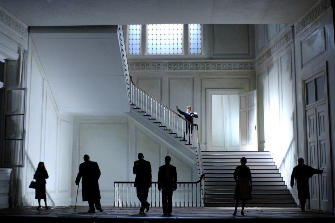 Photo M. Rittershaus | C. Guth, Le nozze di figaro (W.A. Mozart) | Sets and Costumes: C. Schmidt | Salzburger Festspiele